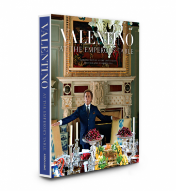 kookboek luxe boek Valentino at the Emperor's table